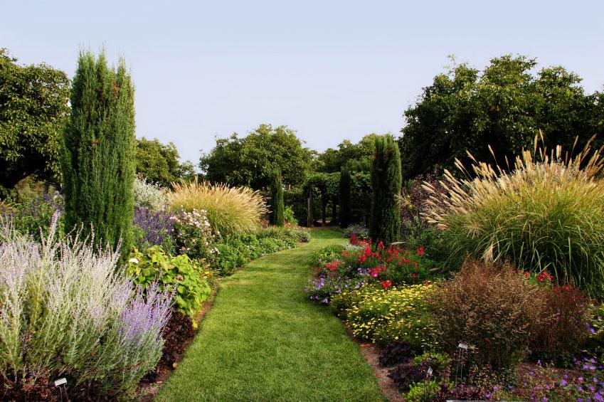 les diff rents types de jardin. Black Bedroom Furniture Sets. Home Design Ideas