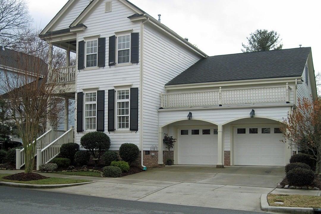 Maison avec garage annexe