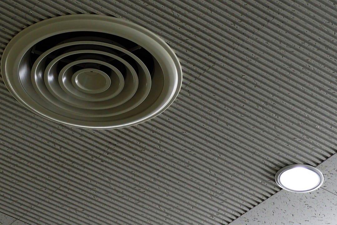 problèmes d'humidité ventilation au plafond