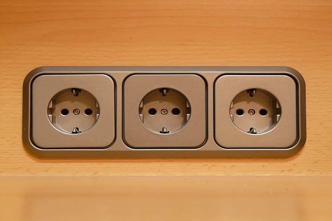 Changer une prise électrique