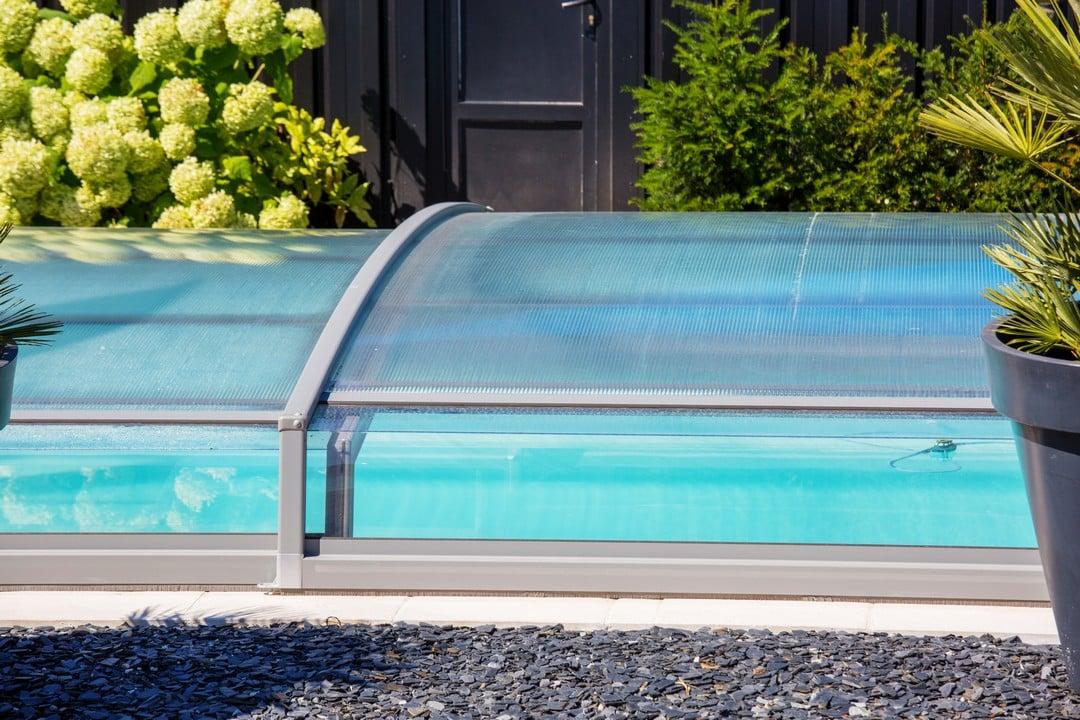chauffage solaire pour piscine couverte