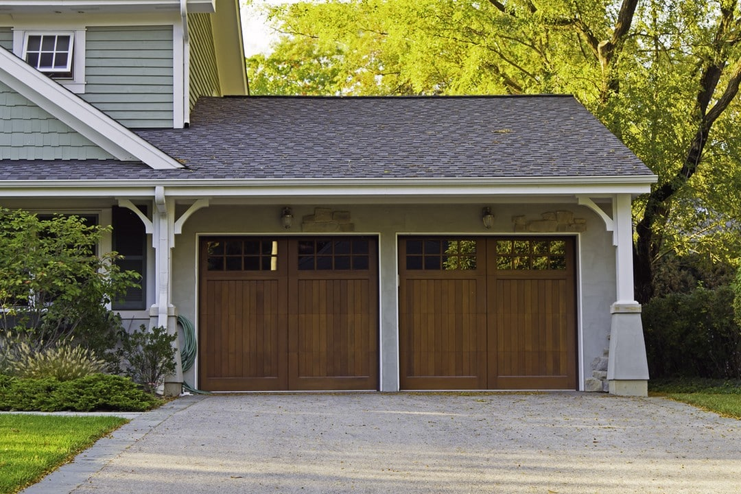 Double porte de garage battante