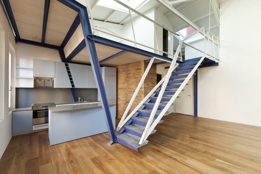 escaliers en bois et en métal
